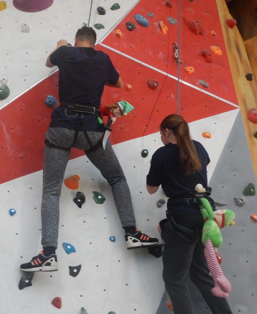 Naughty-Elf-on-the-climbing-wall